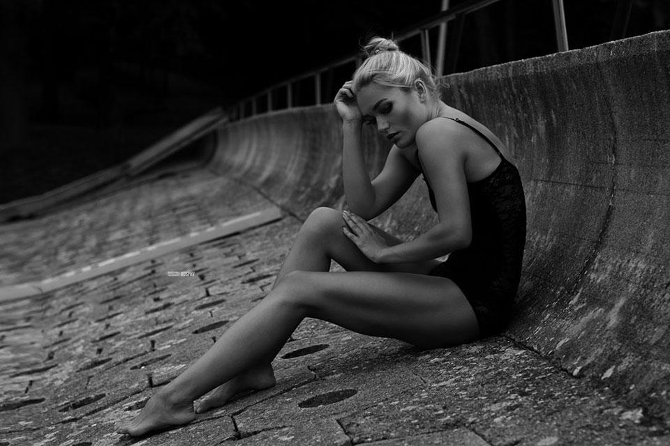 černobílá fashion fotografie modelka